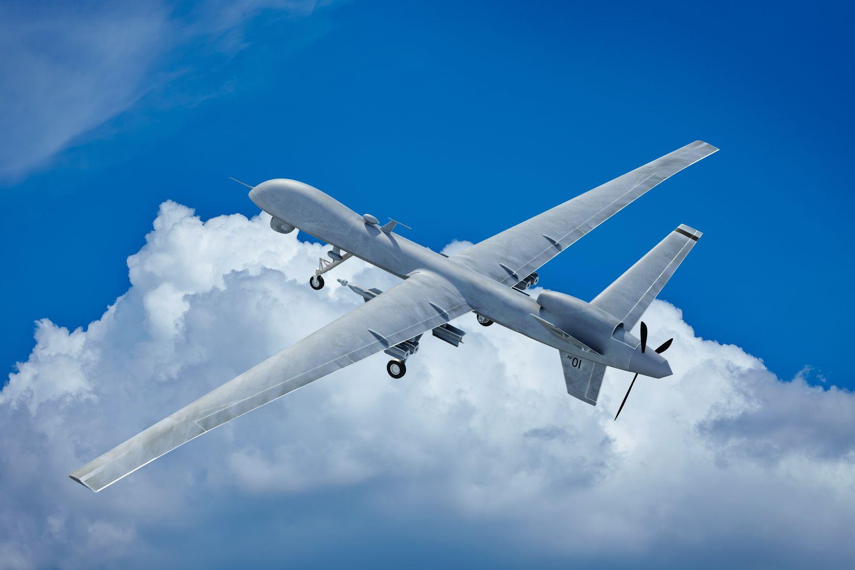 Dwóch pracowników Vacuma Areosystems uzyskało uprawnienia do pilotowania dronów